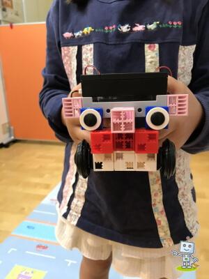 アーテックブロックで小学2年生が作ったロボット